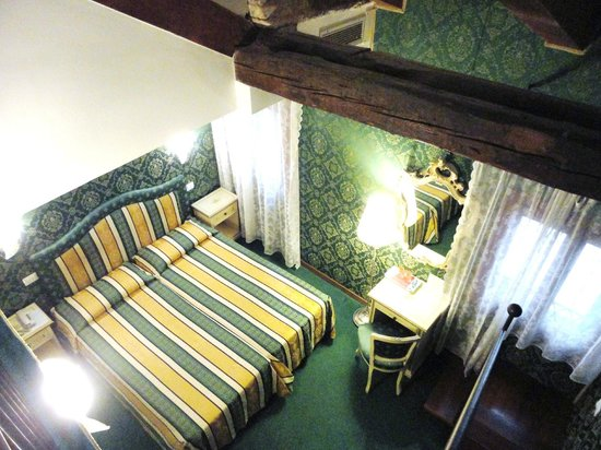 Residenza La Campana: junior suite