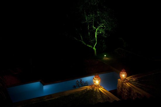 The Spice House, Mirissa:                   The garden pool at night