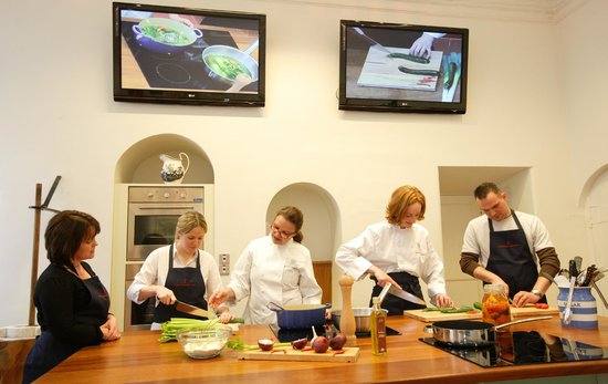 ‪Howth Castle Cookery School‬