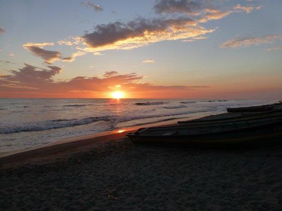 San Luis Talpa, El Salvador: Sunset