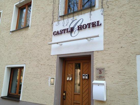 Castle Hotel Regensburg:                   ホテルの正面