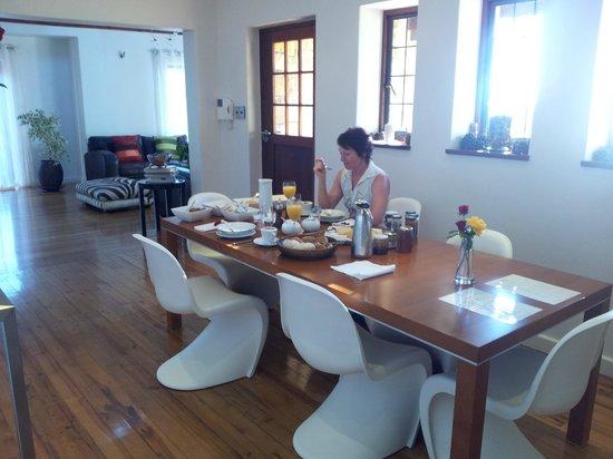 Villa Honeywood Guest House:                   Beim Frühstücken