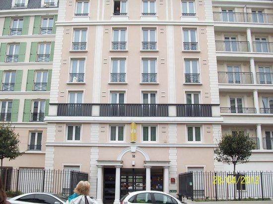 Appart'City Paris Saint-Maurice:                   Voorkant van het hotel