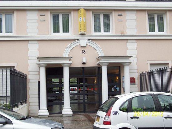 Appart'City Paris Saint-Maurice:                   Ingang van het hotel