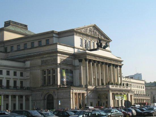 Teatr Wielki - Polish National Opera : Opera House in Spring