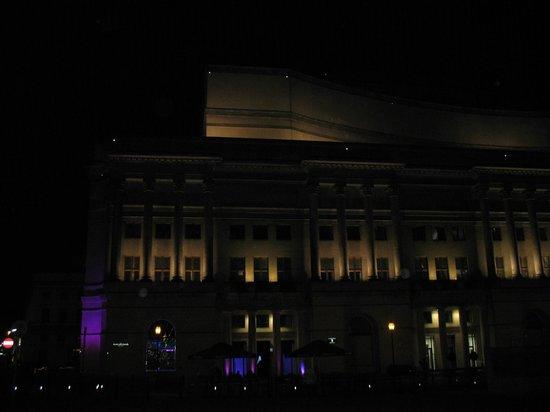 Teatr Wielki - Polish National Opera : Illuminated at Night