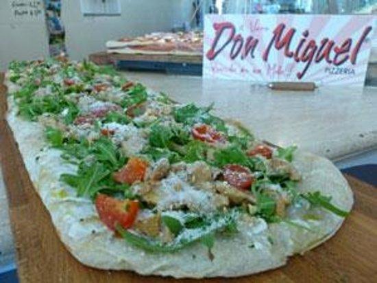Pizzeria Don Miguel :                                     Pizza pomodorini, rucola, porcini e parmigiano