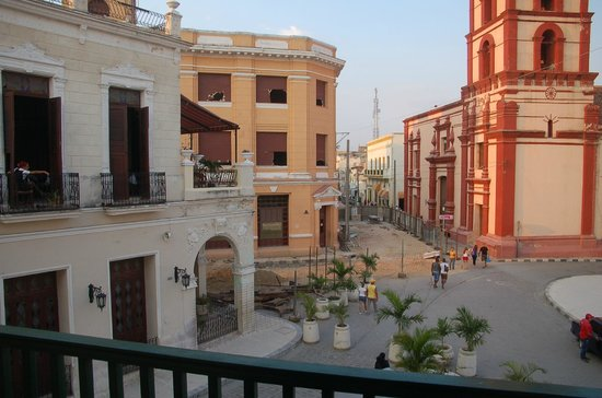 Hotel E Camino de Hierro:                   Blick vom Balkon auf den Maceo