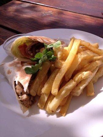 Savannah Cafe: chicken wrap