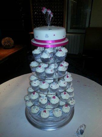 Windsor Hotel - Whitley Bay: wEDDING CAKE