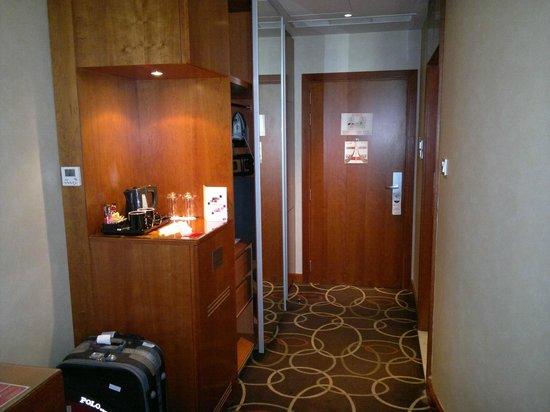 โรงแรมรามาดาเชลซี อัลบาชา:                   Room