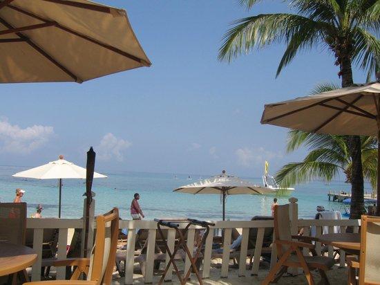 Infinity Bay Spa and Beach Resort:                   Breakfast on the Beach
