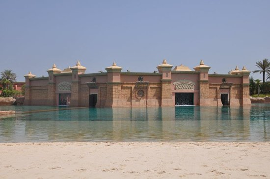 Atlantis, The Palm:                   Dolphinarium