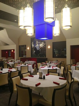 Panda Inn Restaurant - Ontario: Newly Remodeled Dining Room - February 2013