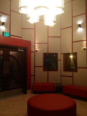 Panda Inn Restaurant - Ontario: Newly Remodeled Waiting Area - February 2013