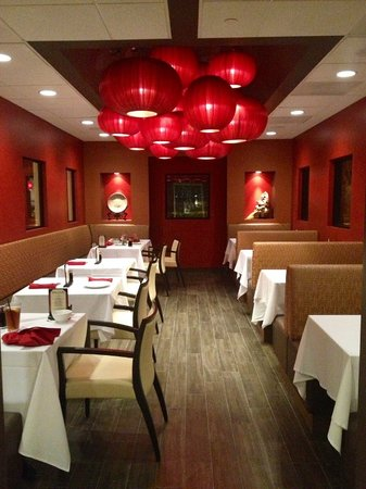 Panda Inn Restaurant - Ontario: Newly Remodeled Dining Room - February 2013