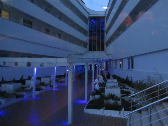 Catamaran Resort Hotel: Eingangsbereich
