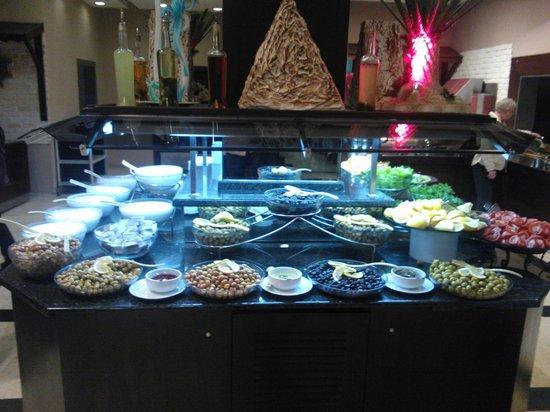 Catamaran Resort Hotel: Buffet