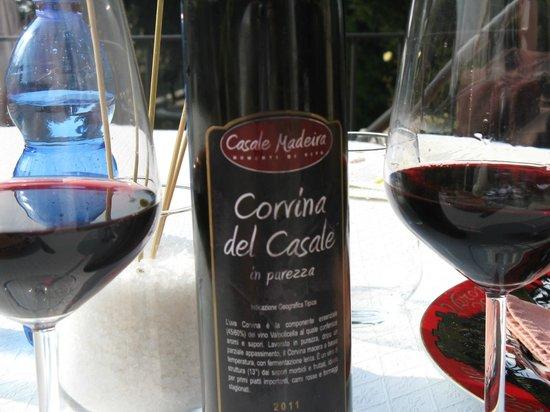 Casale Madeira :                   vino del casale