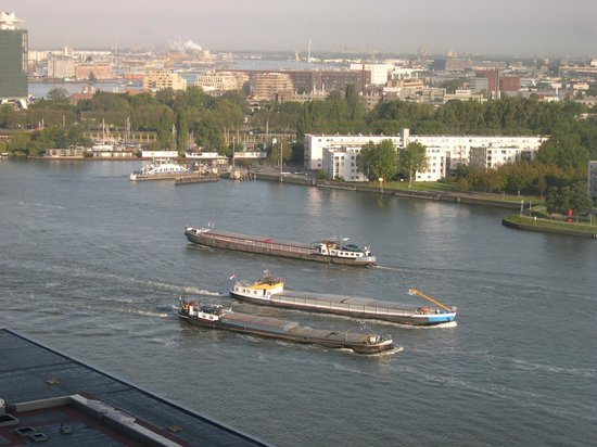 Movenpick Hotel Amsterdam City Center: View from our hotel room