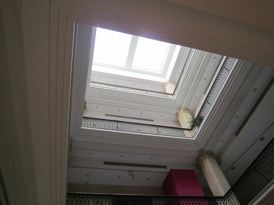 Fundacio La Caixa :                   Stairwell & display