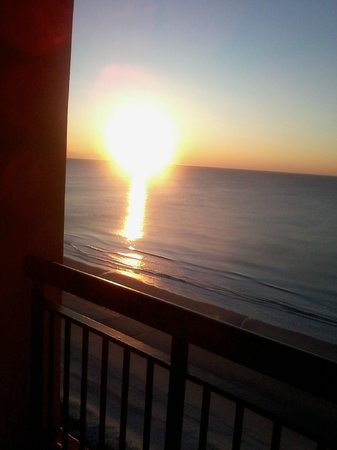Embassy Suites by Hilton Myrtle Beach-Oceanfront Resort:                   Sunrise from balcony 17th fl