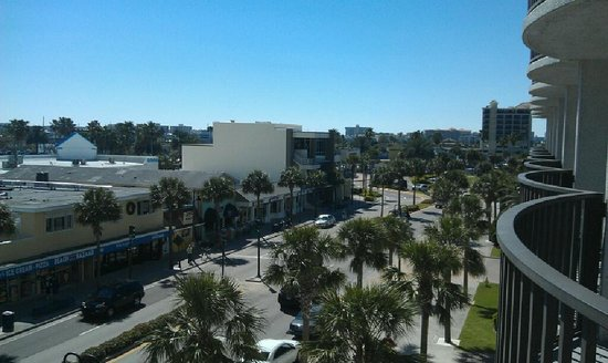 Hilton Clearwater Beach Resort & Spa:                   View from Harbor View room