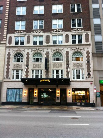 ACME Hotel Company Chicago:                   fachada