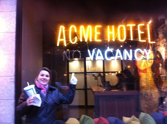 ACME Hotel Company Chicago:                   Fachada do Hotel