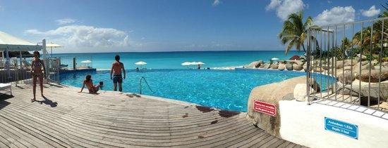 Belmond La Samanna:                                                                         Infinity Pool at Beach