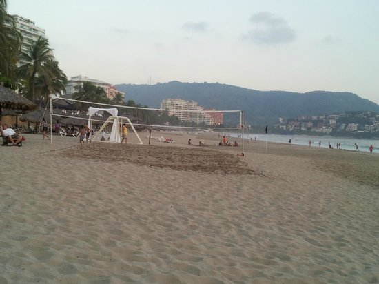 Tesoro Ixtapa:                   beach area