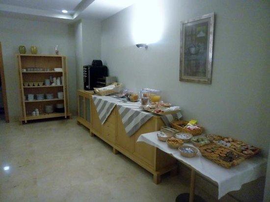Aacr Museo :                   Desayuno