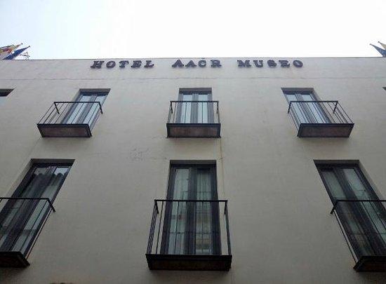 Aacr Museo:                   Fachada de Hotel