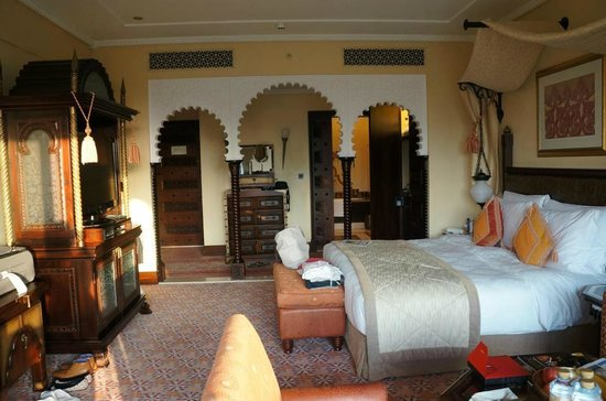 Jumeirah Al Qasr at Madinat Jumeirah: Our gorgeous Arabian deluxe room