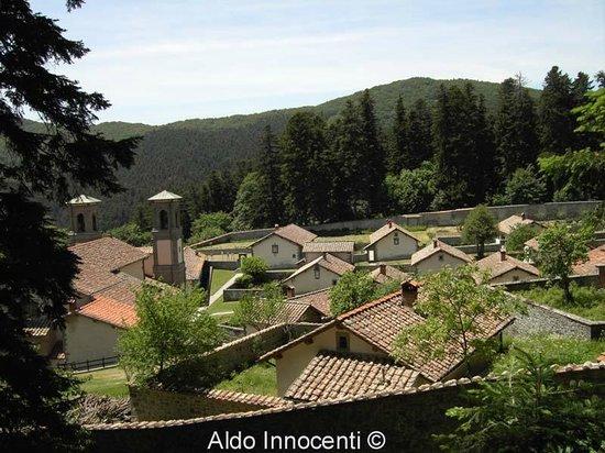 Eremo di Camaldoli: chiesa del Salvatore e celle dei monaci