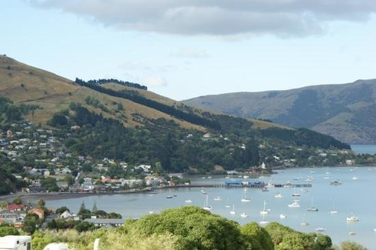 Akaroa TOP 10 Holiday Park:                   View of Akaroa harbour from our balcony