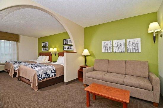 Sleep Inn Minot: Guest Room- Suite