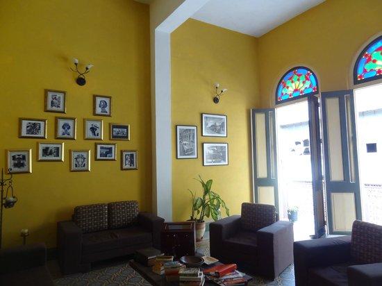 Casa Obrapia:                   Communal area