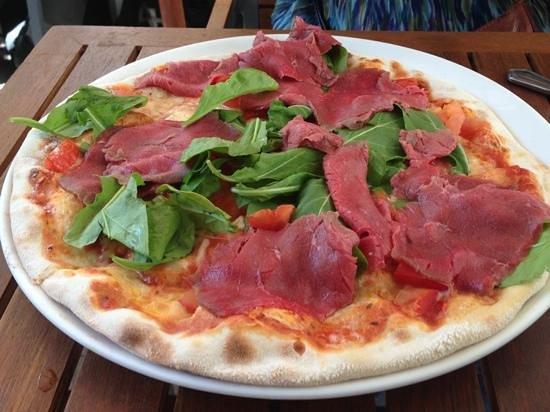 La Pizza Nostra:                   Pizza Tirolesse