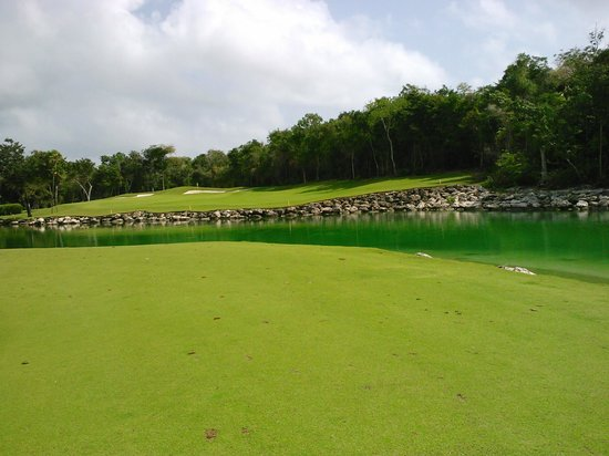 Grand Bahia Principe Coba: golf