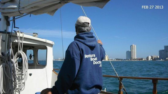 Mi Casa Viajes - Private Day Trips:                   Captain Eduardo at the helm- but my friend steered also!