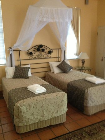 Marwood Villas:                   Hotelroom