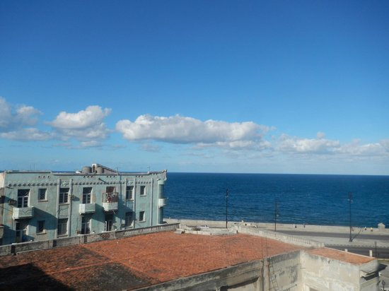 Clarita and Orlando's House:                                     View to Malecon