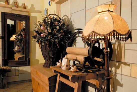 Protea Hotel: interior