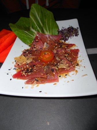 RAKÚ: Carpaccio de tonyina