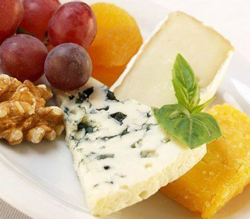 Harbour Towne Inn on the Waterfront: Enjoy a special cheese plate.