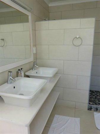 Swakopmund Guesthouse:                   Badezimmer