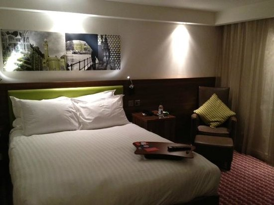 Hampton by Hilton Birmingham Broad Street: Double room