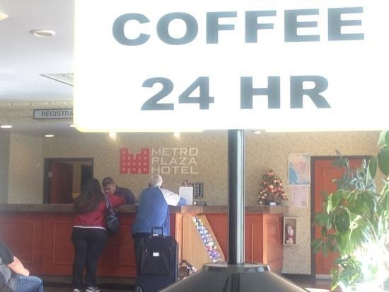 Metro Plaza Hotel:                   Metro Plaza lobby