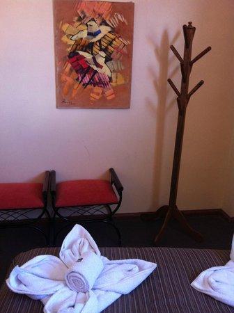 Andean South Inn:                   Colgador
